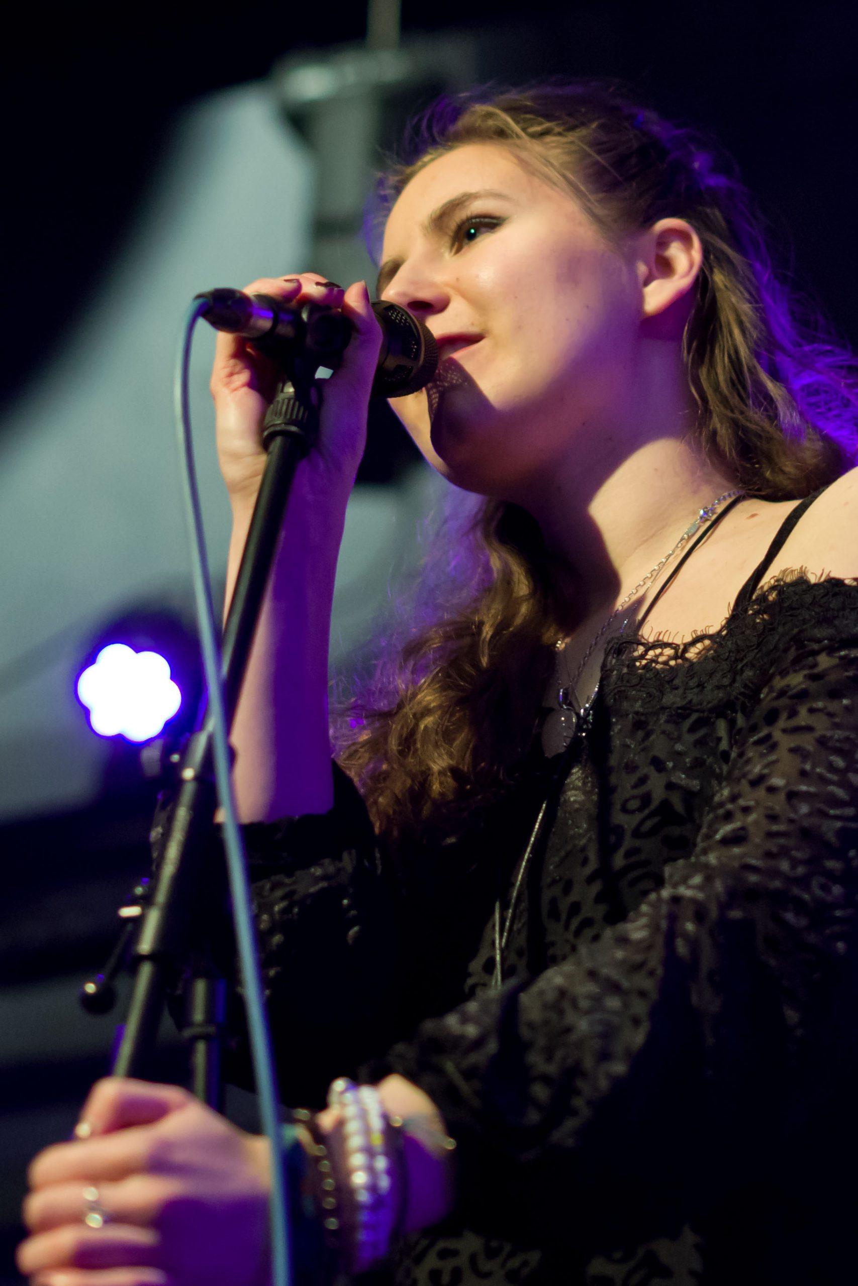 Gloria Blau (Ingo Christiansen)